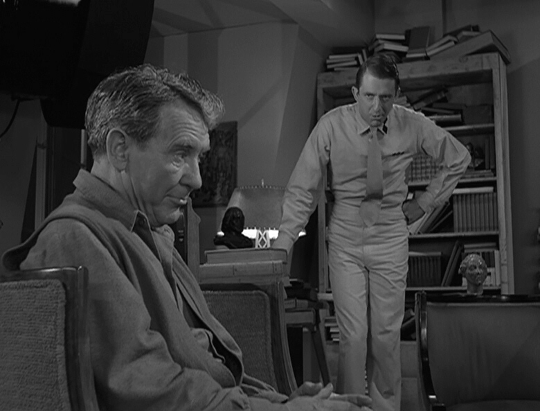 Twilight-Zone-The-Obsolete-Man 2