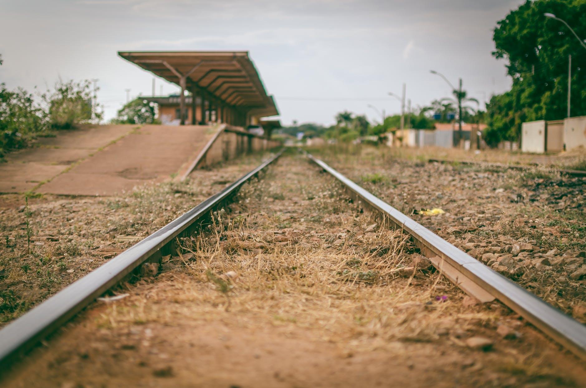 photography of railway